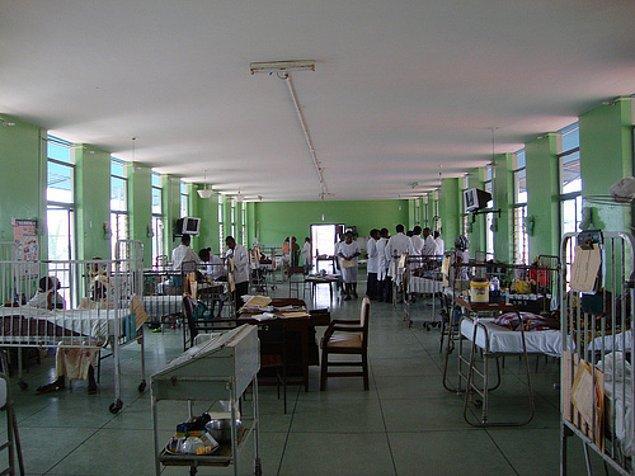 """7. """"Hastaneye gitmek burada bir lükstür, hayatında hiç hastaneye gitmemiş milyonlarca Nijeryalı var!"""""""