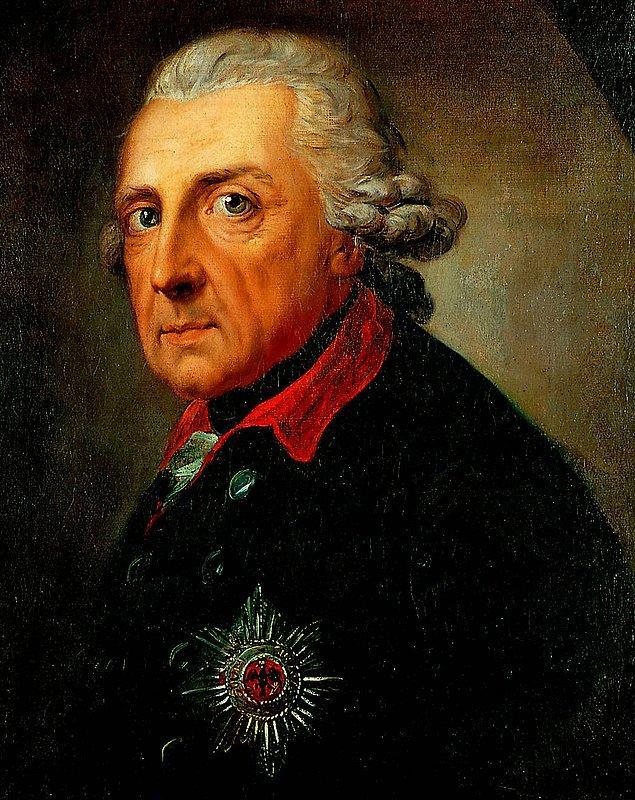 Rivayet o ki Yedi Yıl Savaşlarındaki galibiyetlerinin ardından Prusya Kralı 2.Friedrich'ten üç tane iyi müneccim göndermesini ister. Ancak Freidrich, başarı için üç münecciminin tarihten ders çıkarmak, savaşa hazır ordu bulundurmak ve dolu bir hazineye sahip olmak olduğunu söyler.