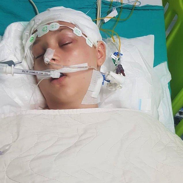 Doktorların umursamaz olduğunu ve kızı için bir şeyler yapmadığını söyleyen Mehtap Taşkıran, 'Özel hastanede değiliz diye ölecek miyiz?' dedi.