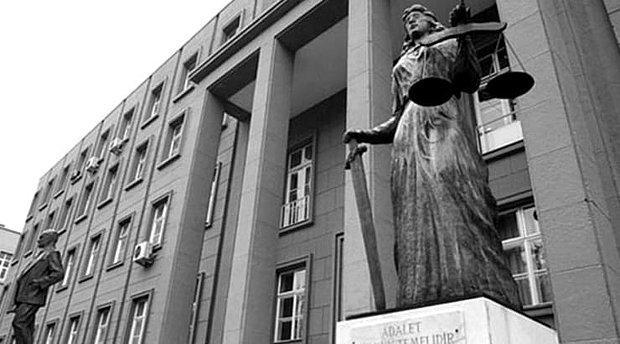 """Yargıtay Üyesi: """"Yargıda Her Tarikatın WhatsApp Grubu Var 'Haremlik-Selamlık' Toplantı Yapılıyor"""""""