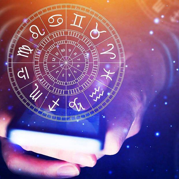 Dolar, Kıtlık, Savaş... Pandemiyi Bilen Astrologların 2022 Yılına Dair Kehanetlerine Epey Şaşıracaksınız!