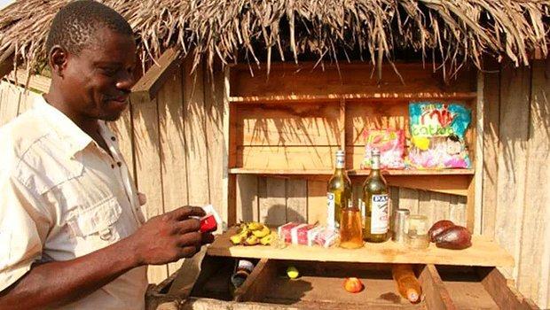 Yerleşik Hayata Geçmekte Zorlanan Afrikalı Kabileler Alkolik Çıktı! Zorlandıkları İçin Ölümüne İçiyorlar...